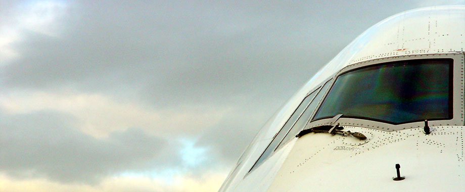 airplane-920x380